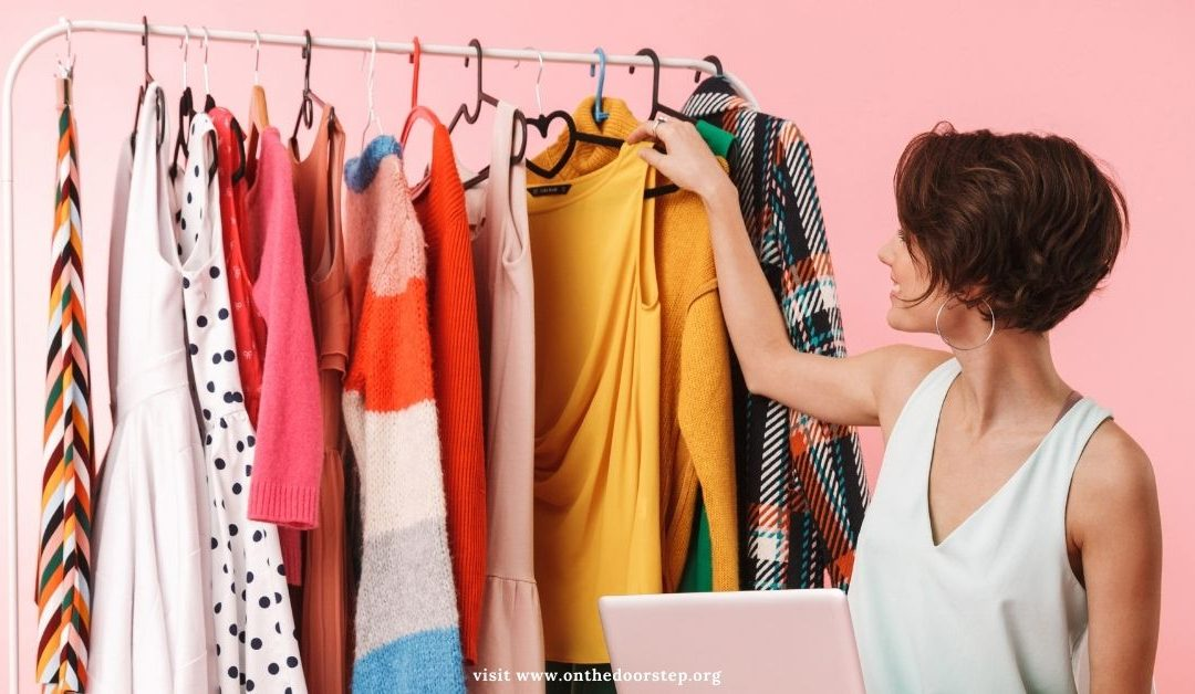 HOW TO DECLUTTER YOUR WARDROBE IN 10 SIMPLE STEPS